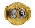 Brosch med fotografiporträtt av Ellen och Ebba von Hallwyl, 1860- tal - Hallwylska museet - 109974.tif