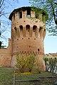 Budrio, torre sud-est delle mura medievali - panoramio (1).jpg