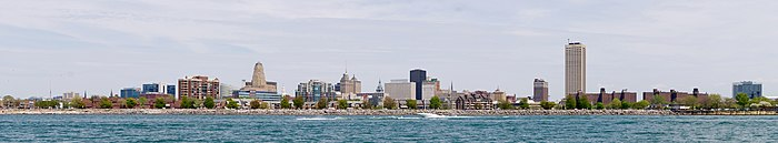 Panorama del centro di Buffalo, NY dal Lago Erie