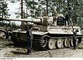 Bundesarchiv Bild 101I-461-0213-34, Russland, Panzer VI (Tiger I) wird aufmunitioniert Recolored.jpg