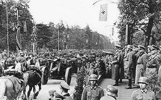 Palmiry massacre - Adolf Hitler attends a Wehrmacht victory parade in Warsaw. 5 October 1939
