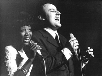 Etta Cameron - Etta Cameron (left) singing together with Manfred Krug, 1970