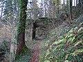 Burg Neu-Leonroth Vorburg Tor aussen.jpg
