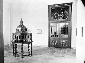 Wayang Museum - An old photograph showing the model of the 'Nieuwe Hollandse Kerk' in the Old Batavia Museum. the Old Batavia Museum was constructed on the place where the Nieuwe Hollandse Kerk was once built