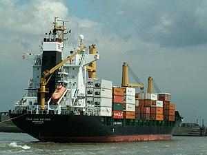CSAV SAN Antonio IMO 9122057, Port of Antwerp 23-May-2005.jpg