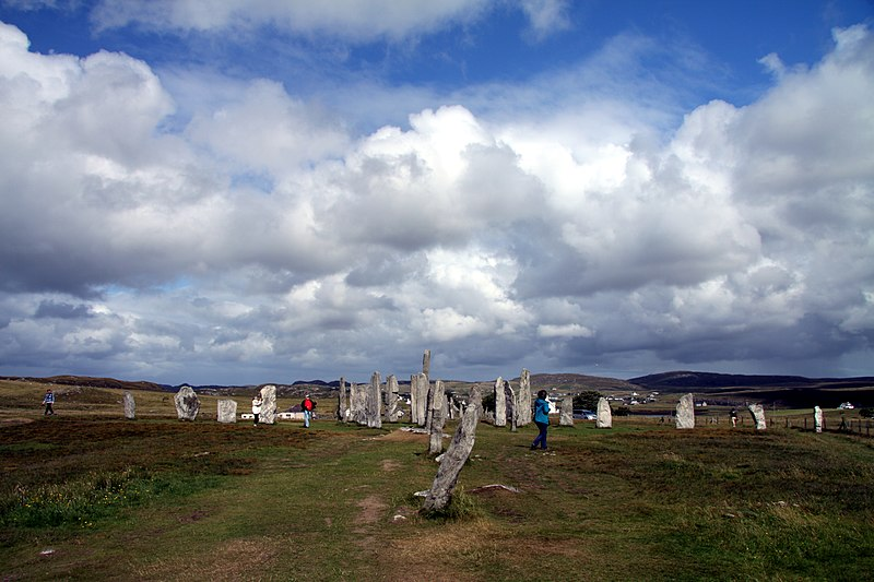 File:Callanish Stones in summer 2012 (13).JPG