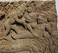 Cambogia, architrave con storie di rama, lakasmana, sugriva e valin, da vat baset, stile di baphuon, xi sec. 02.JPG