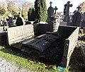 Cambrai - Cimetière de la Porte Notre-Dame, sépulture remarquable n° 27, famille de l'Orne d'Alincourt, tombe remarquable (01).JPG