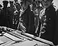 Capitulatie van Japanse troepen op Timor. Japanse officieren hebben hun zwaarden, Bestanddeelnr 935-3596.jpg
