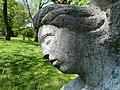 Carl Gutknecht (1878–1970) Bildhauer. Skulptur, Kniende, von 1945, Universitätsspital-Garten, Basel (5).jpg