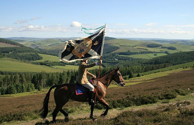Carrying the Royal Burgh Flag on Peat Hill - geograph.org.uk - 1354482