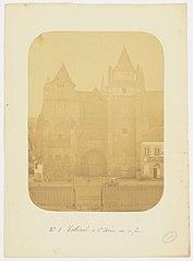 Photographie de face de la cathédrale de Saint-Brieuc