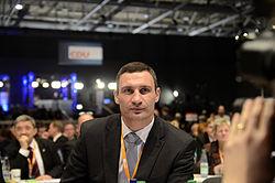 Кличко Виталий Владимирович Википедия Виталий Кличко на съезде немецкой партии ХДС 4 декабря 2012 года