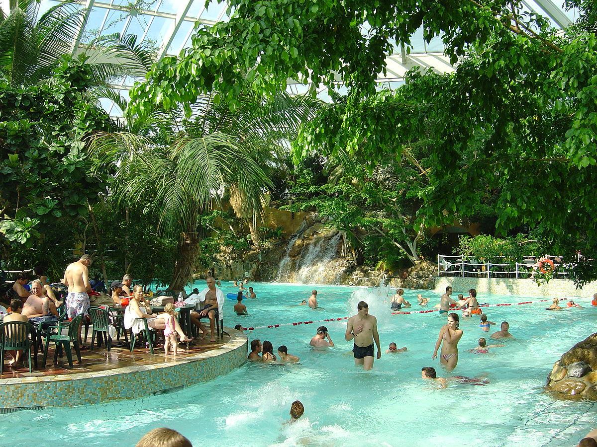 Huttenheugte zwembad prijzen vakantiepark center parcs de