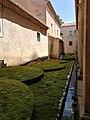 Certosa di Padula - Aiuole della Corte dei Granai.jpg