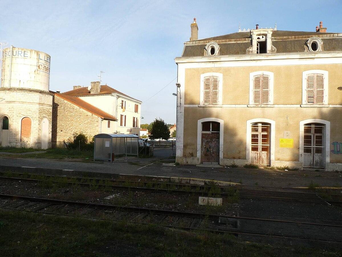 Gare de chasseneuil sur bonnieure wikip dia for Piscine chasseneuil sur bonnieure