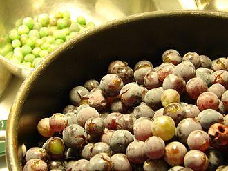 Concord grape - Image: Concord Grapes 2