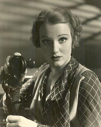 Constance Cummings - Cummings in 1934