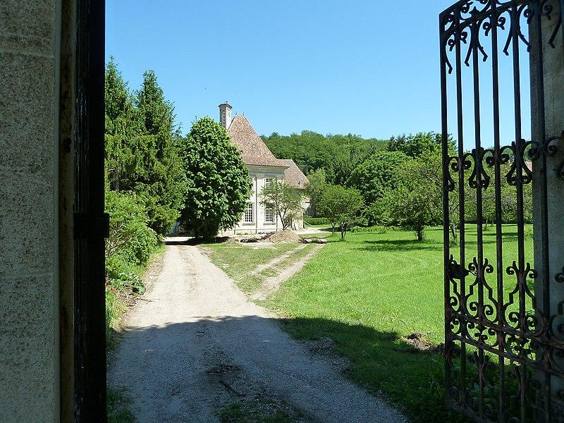 Corniéville Ancienne Abbaye de Rangéval, fermée à la révolution en 1791.