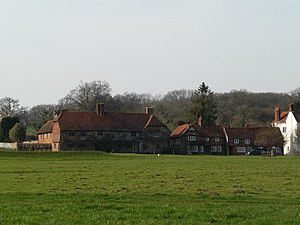 Greywell - Image: Cottages in Greywell Village geograph.org.uk 1209048