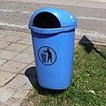 Dźwirzyno-waste-container-blue-120708.jpg