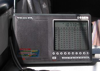 English: DEGEN DE1103 MULTIBAND FM/AM/SW DIGIT...