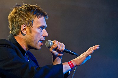 Picture of a band or musician: Damon Albarn