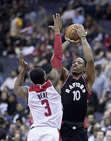 8d60c55283a DeRozan shooting a jumpshot over Bradley Beal in 2016