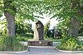 Denkmal Dewiescheit Lötzen Gesamtansicht 2019.jpg