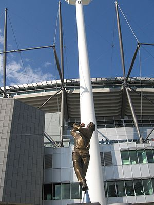 Dennis Lillee - Statue of Lillee at the Melbourne Cricket Ground