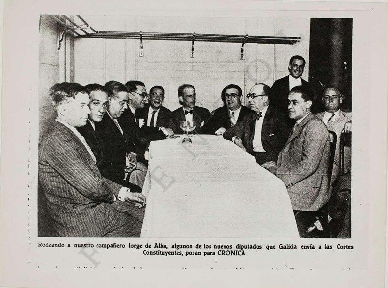 File:Deputados galeguistas na Asemblea Constituínte da II República, reunidos no café Regina de Madrid.pdf