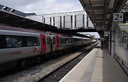 Derby railway station MMB C0 220033.jpg