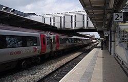 Derby railway station MMB C0 220033.jpg