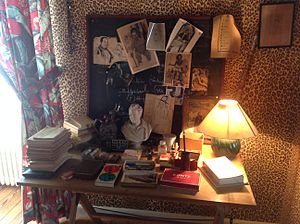 Jean Cocteau House - Image: Desk of Jean Cocteau