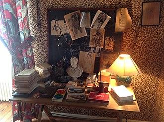 Jean Cocteau House - Image: Desk of Jean Cocteau