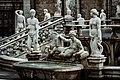 Dettagli Statue Fontana Petroria.jpg