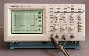 Digital storage oscilloscope - A Tektronix TDS210 digital oscilloscope