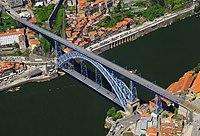 Dom Luís I Bridge aerial 2015.jpg