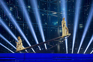 Russia in the Eurovision Song Contest 2014 - The Tolmachevy Sisters with their moving platform stage prop