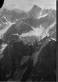 ETH-BIB-Grandes Jorasses, Aiguille du Midi, Glacier des Bossons v. W. aus 4300 m-Inlandflüge-LBS MH01-005198.tif