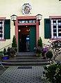 Eingang Altes Jagdhaus Klein-Auheim Juni 2012.JPG