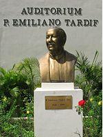 Busto del padre Emiliano situado en la Escuela de Evangelización de Santo Domingo