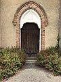 Entrée de l'église de Sombrun.jpg