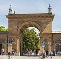 Entrada del Hofgarten, Múnich, Alemania, 2012-04-30, DD 01.JPG
