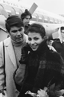 Esther & Abi Ofarim arriving in the Netherlands on October 10, 1963.