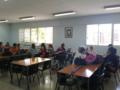 Estudiantes en la sala.png