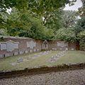 Exterieur kloostertuin met begraafplaats - 20000703 - RCE.jpg