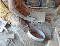 Fabrication des carreaux de Chettinad (Inde) (14112580192).jpg