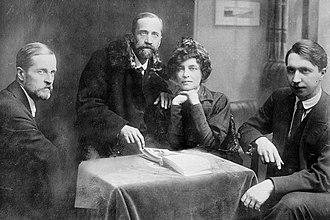 Zinaida Gippius - Filosofov (left), Merezhkovsky (center),  Gippius, and Zlobin, circa 1919