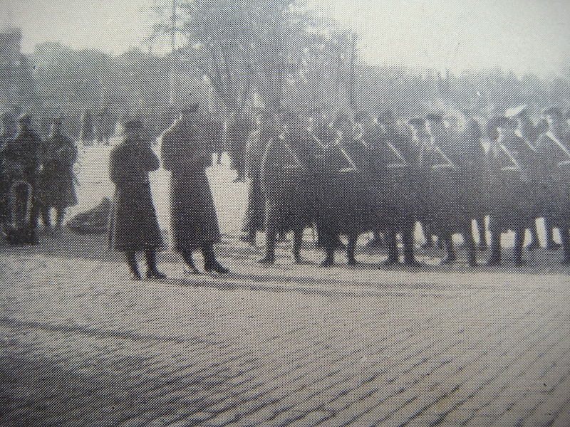 File:Final departure of the troops.jpg